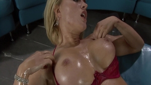 Oil hardcore sex accompanied by super sexy stepmom Brandi Love