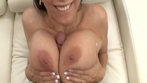 Hairy housewife Gianna Michaels wishes for fucking