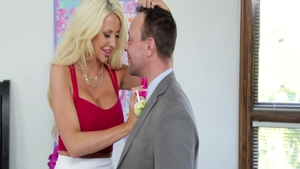 Large boobs blonde Courtney Taylor digs plowing hard