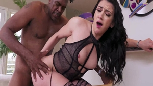 Large tits brunette Mandy Muse feels in need of hard nailining