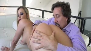 Hot big butt mature Alexis Texas rough blowjob on the couch