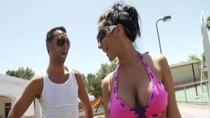 Handjob outdoors escorted by passionate star Jayden Jaymes