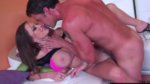 Pornstar Jenna Presley gets a buzz out of dick sucking HD
