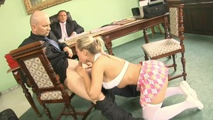 Trimmed Mia Leone handjob in office