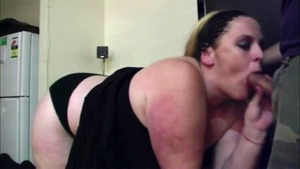 Ebony blonde haired feels the need for homemade raw sex in HD