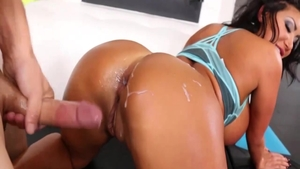 August Taylor pussy eating