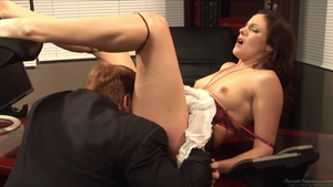 Super hot employee finds dick to fuck in office