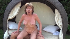 Young mature Akasha Cullen ramming hard outdoors