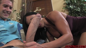 Raw fingering escorted by big tits girl Jewels Jade