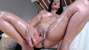 Loud sex together with sexy MILF
