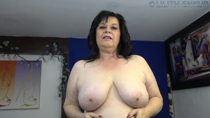 Chubby female stroking solo
