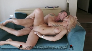 Big ass babe raw gets cum in her pussy at casting