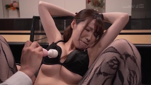 Japanese brunette helps with ramming hard in HD