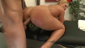 Big ass Flower Tucci blonde babe squirt sex tape