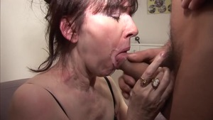 Aged whore wearing pantyhose at the casting HD
